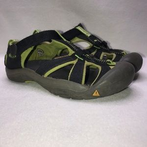 Keen Black Green Outdoor Water Shoes Boy's 5